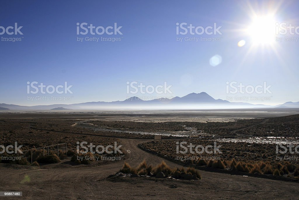 Sonnenaufgang am Altiplano Salzsee in Chile – Foto