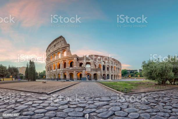 Sunrise at colosseum rome italy picture id683962492?b=1&k=6&m=683962492&s=612x612&h=xt 8lhxazzxf36ryj slsdlcbnxsjbexy1afv5qbnx8=