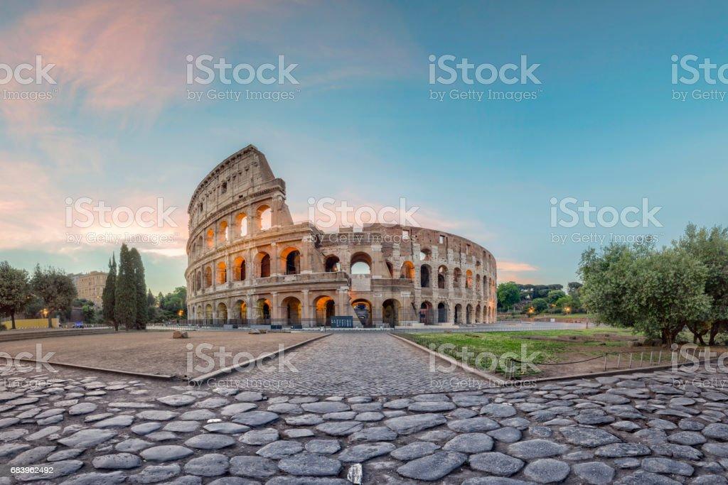 Sonnenaufgang am Kolosseum, Rom, Italien – Foto
