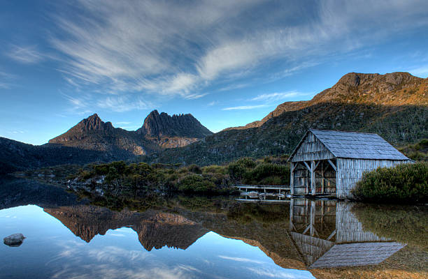 sunrise at cradle mountain in tasmania - tasmania stock pictures, royalty-free photos & images