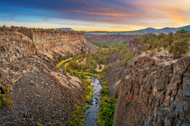 sunrise at crooked river canyon peter skene ogden state park oregon - bend oregon stock pictures, royalty-free photos & images