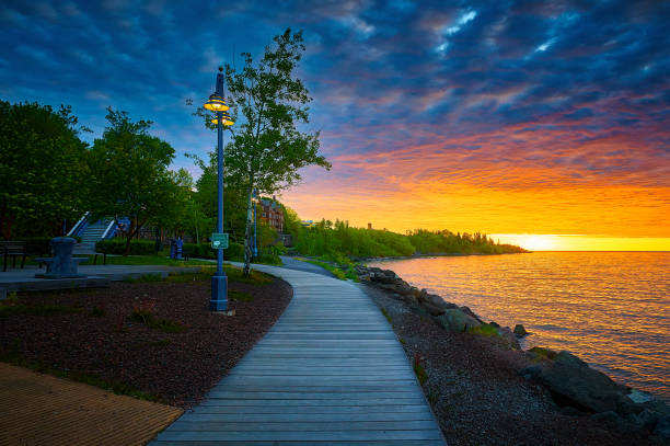 Sunrise at lake Superior Sunrise at North Shore of Lake Superior, taken at the Lake walk Canal Park Duluth Minnesota minnesota stock pictures, royalty-free photos & images