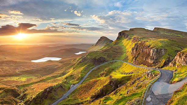 sunris'at quiraing, isle of skye, schottland - schottische kultur stock-fotos und bilder