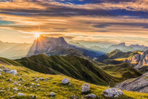 Sunrise at Sassolungo or Langkofel Mountain Group, Dolomites, Trentino, Alto Adige - foto stock