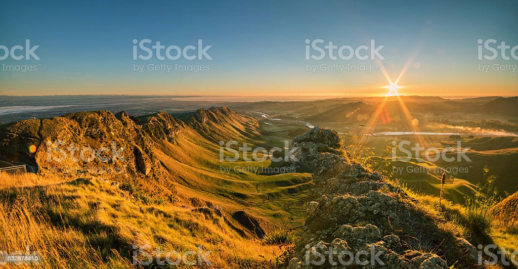 Sunrise at Te Mata Peak, Napier, Hawkes Bay stock photo