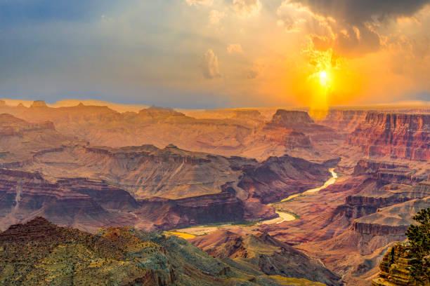 Sonnenaufgang am Grand Canyon gesehen von Desert View Point – Foto