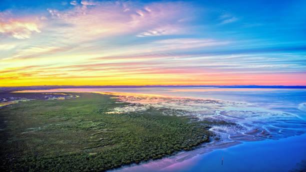 sunrise at tooradin foreshore - estuário imagens e fotografias de stock