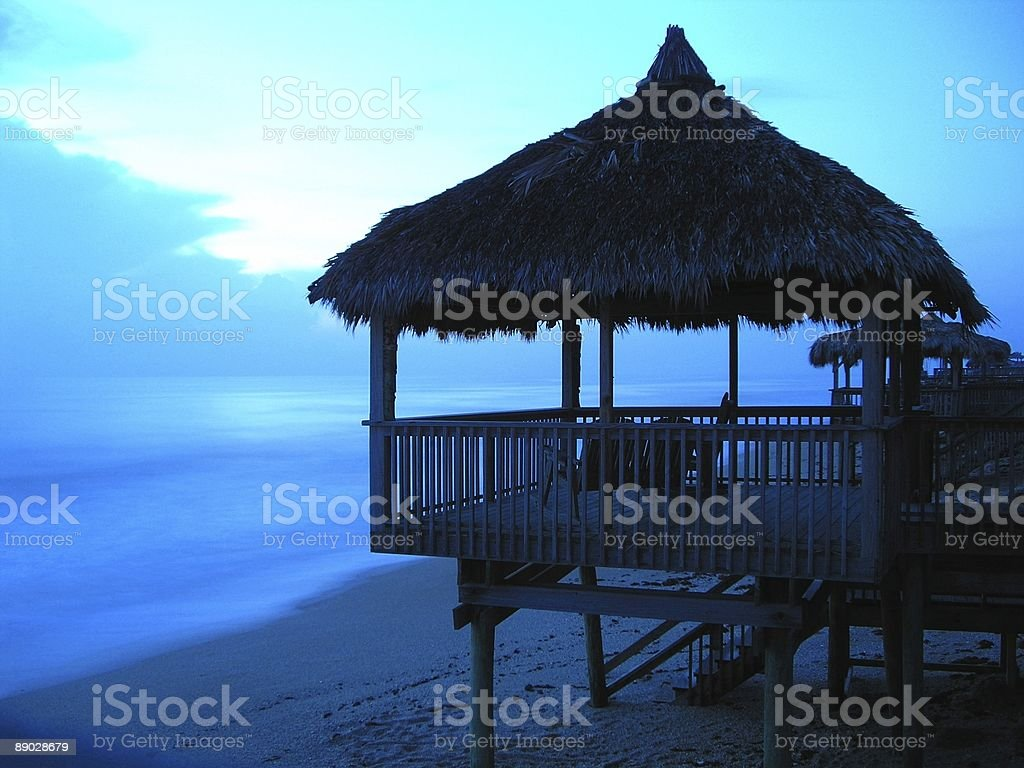 Sunrise Beach Hut Lizenzfreies stock-foto
