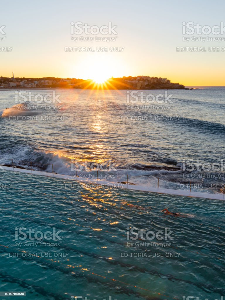 Sunrise Bondi Iceberg - Photo