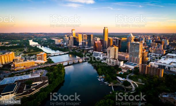 Sunrise cityscape skyline austin texas at golden hour above tranquil picture id1142642472?b=1&k=6&m=1142642472&s=612x612&h=fqnjqgfv4yviicp9 qhtf5oi6bptidgbzbopavlyi8c=