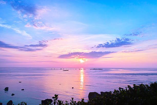 sunrise from miyakojima east hen'nazaki - 朝日 ストックフォトと画像