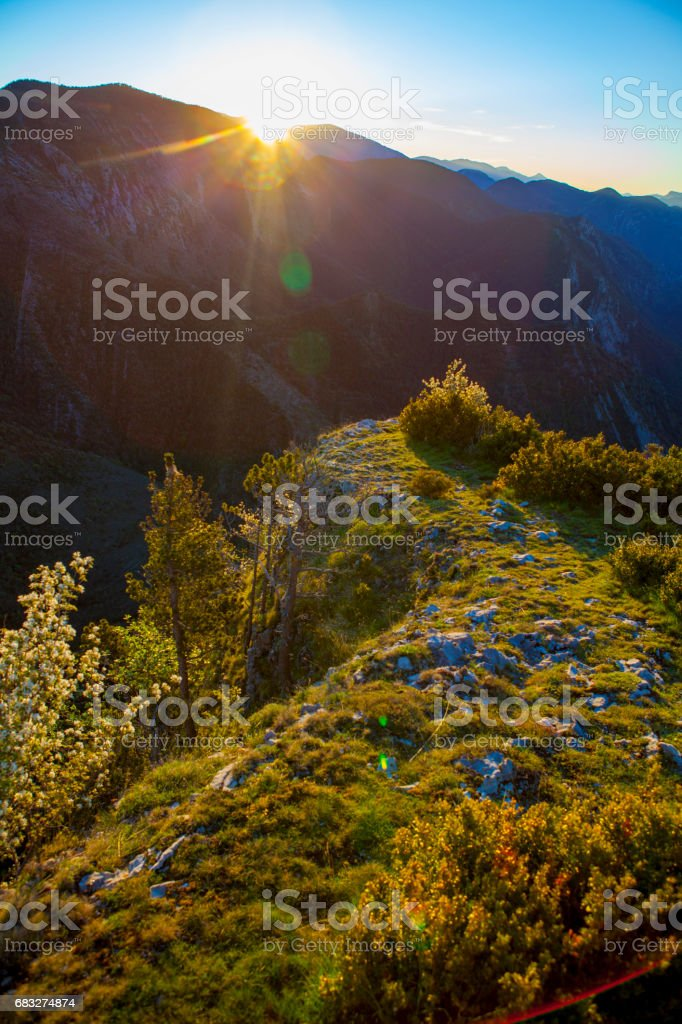 Sunrise from Pedraforca's mountain sightseeing site foto de stock royalty-free