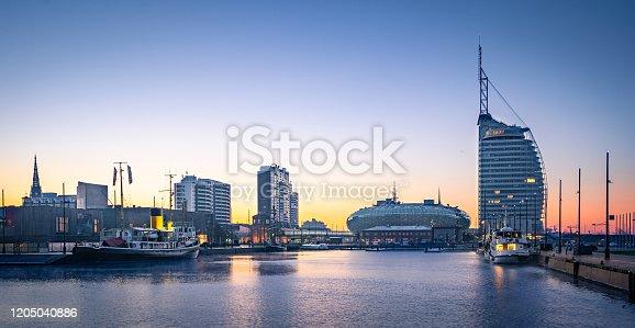 istock Sunrise in Bremerhaven 1205040886