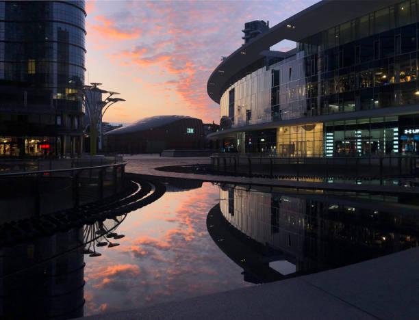 Sonnenaufgang in Mailand - Gae Aulenti Platz – Foto