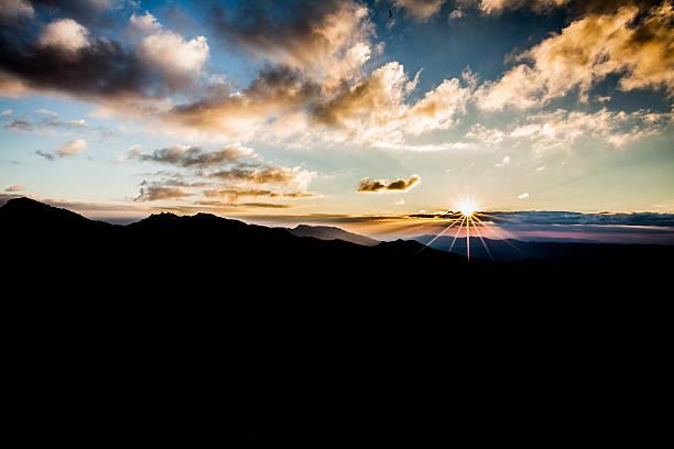 sunrise in thailand - new world stockfoto's en -beelden