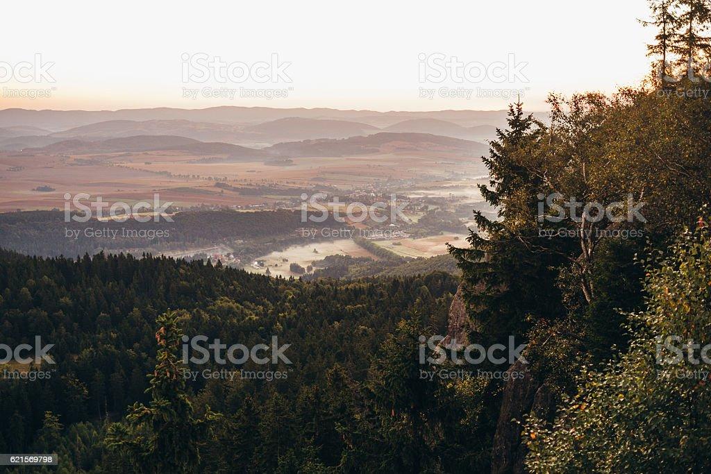 Lever du soleil dans les montagnes  photo libre de droits