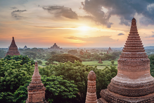 Sunrise Myanmar Bagan Buddhist Temple Law Ka Ou Shaung Stock Photo - Download Image Now