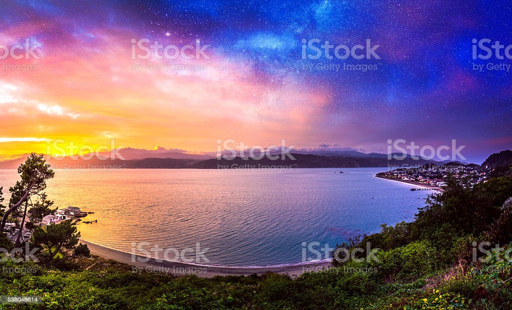 Sonnenaufgang von Seatoun in Wellington, Neuseeland – Foto