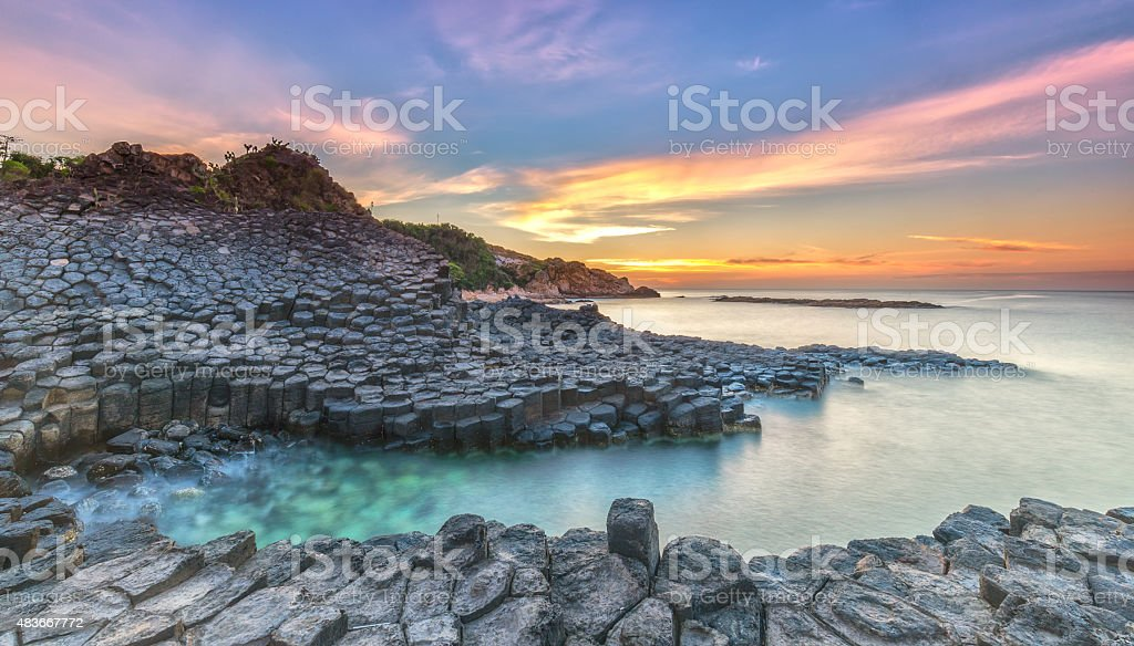 Sonnenaufgang auf Giant's Causeway – Foto