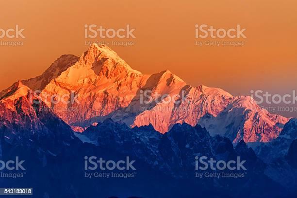 Sunrise on mount kanchenjugha at dawn sikkim picture id543183018?b=1&k=6&m=543183018&s=612x612&h=u2lehmuvxkdi94jlh5rqmtn6wilxmn je5o7k29obts=