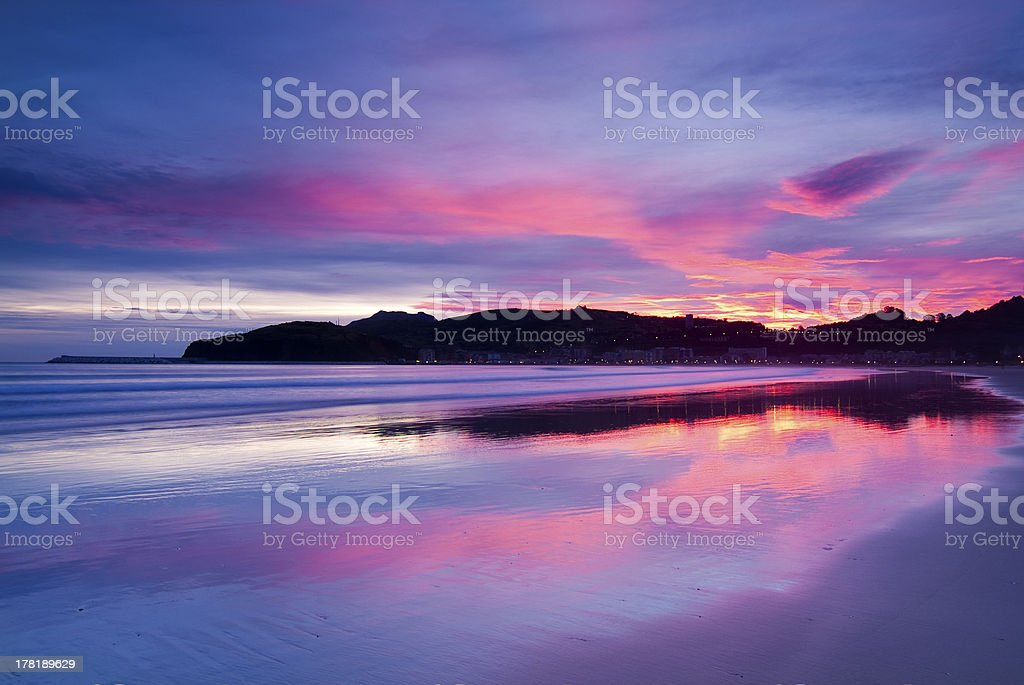 Amanecer en la playa de Laredo. Cantabria. España. stock photo