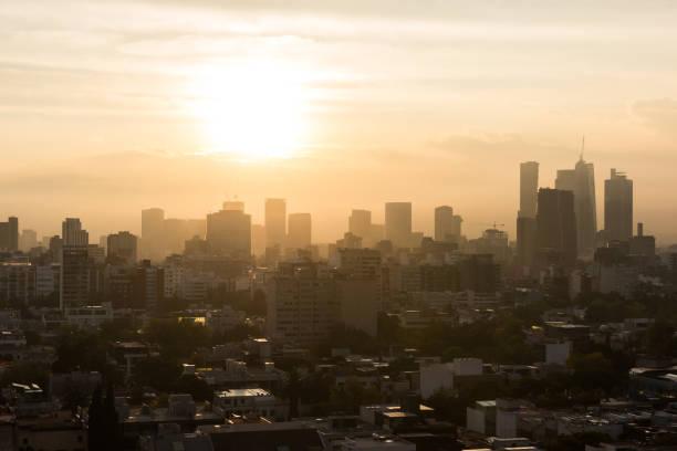 Sonnenaufgang über Mexiko-Stadt – Foto