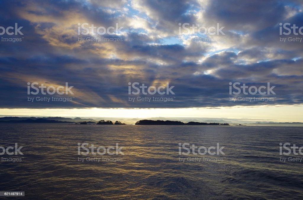 Sunrise over Queen Charlotte Strait Lizenzfreies stock-foto