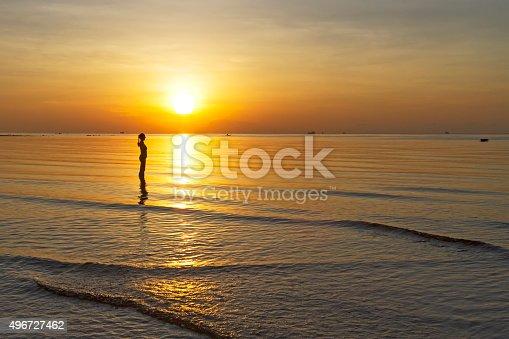 494377786istockphoto Sunrise shape woman silhouette 496727462