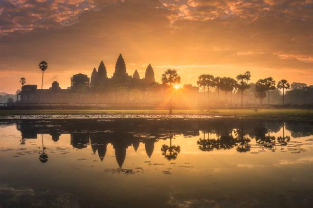 Sonnenaufgang von antiken Tempel Komplex Angkor Wat Siem Reap, Kambodscha – Foto