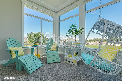 This room gives the feeling of sun, lemonade, Summer and relaxing