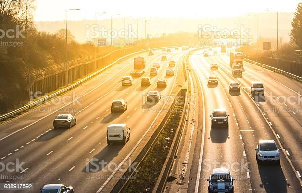 Sunset Above British Motorway M25 Foto de stock y más banco de imágenes de Aire libre
