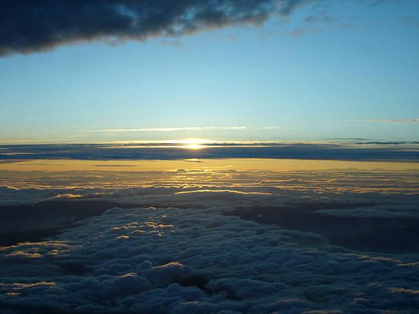sunset above clouds - fsachs78 stockfoto's en -beelden