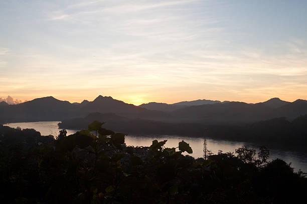 メコン川のサンセット上でルアンルアンパバーン(Louangphrabang )、ラオス ストックフォト
