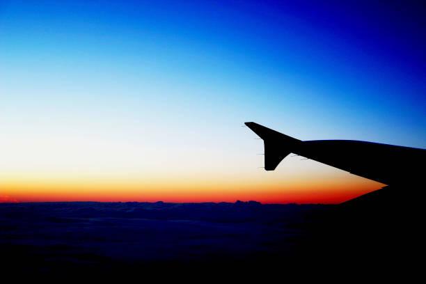 Sonnenuntergang in Höhe von 30.000 Fuß – Foto