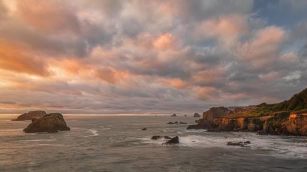 Sonnenuntergang an einem schönen Nordkalifornien Strand – Foto
