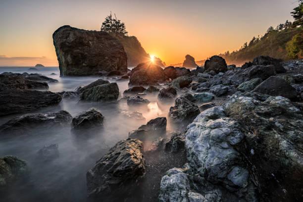 Sonnenuntergang an einem Rocky Beach, Nordkalifornien Küste – Foto