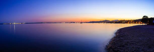 puesta de sol en la playa de aucanada (mallorca - islas baleares) - pbsm fotografías e imágenes de stock