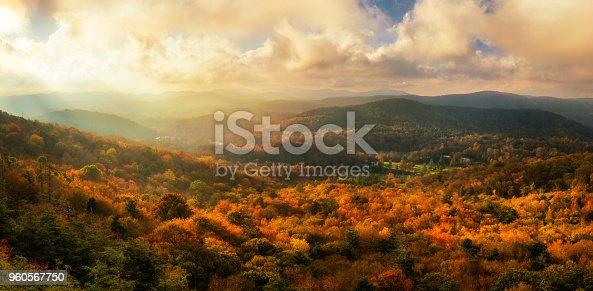 istock Sunset at Flat Rock Overlook - Blue Ridge Parkway, North Carolina 960567750