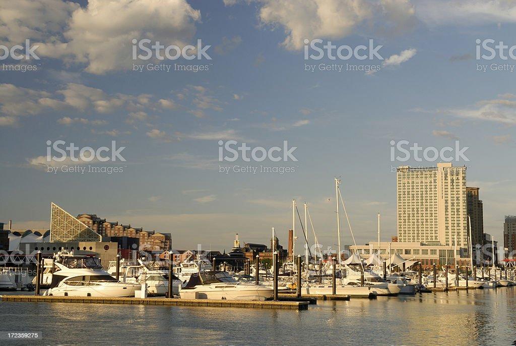 Atardecer en el puerto interior (Inner Harbor) de Baltimore foto de stock libre de derechos