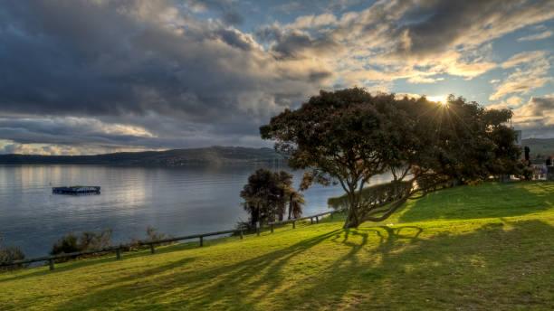 Sonnenuntergang am Lake Taupo – Foto