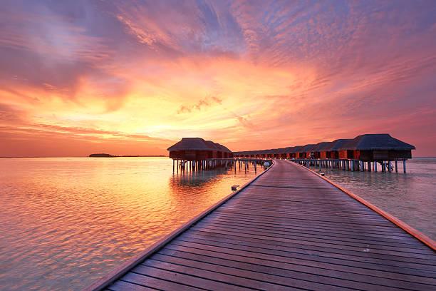 Sonnenuntergang auf den Malediven Strand – Foto