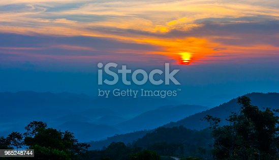 Sunset At Mountain In Thailand - Stockowe zdjęcia i więcej obrazów Chmura