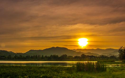 Sunset At Mountain - zdjęcia stockowe i więcej obrazów Bez ludzi