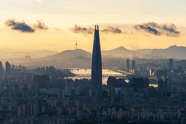 Atardecer en Namhansanseong en la ciudad de Seúl, Corea del Sur - foto de stock