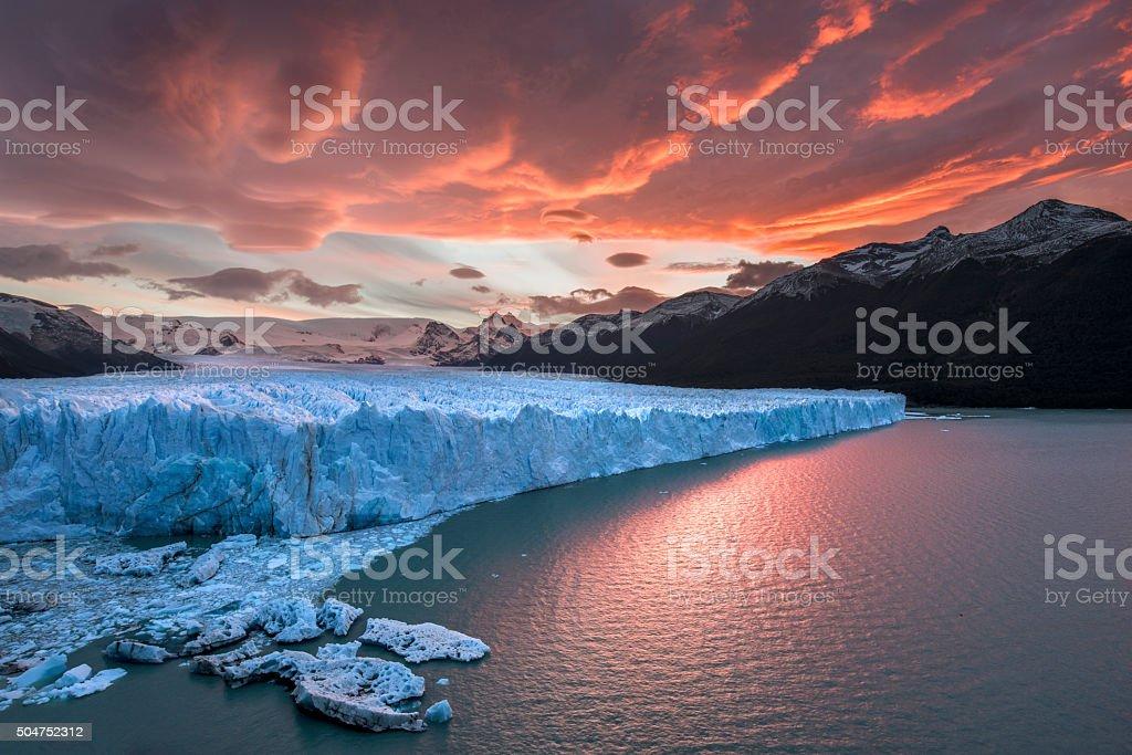 Sunset at Perito Moreno Glacier圖像檔