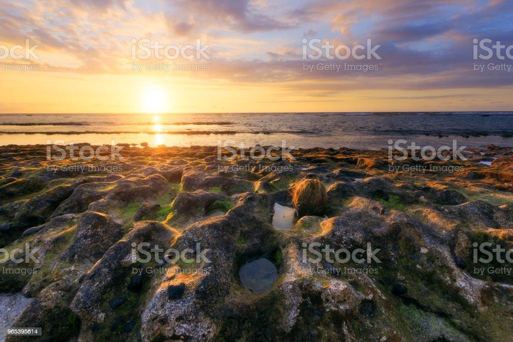 리유니언 섬에서 세인트 레이 해변에서 일몰 - 로열티 프리 0명 스톡 사진