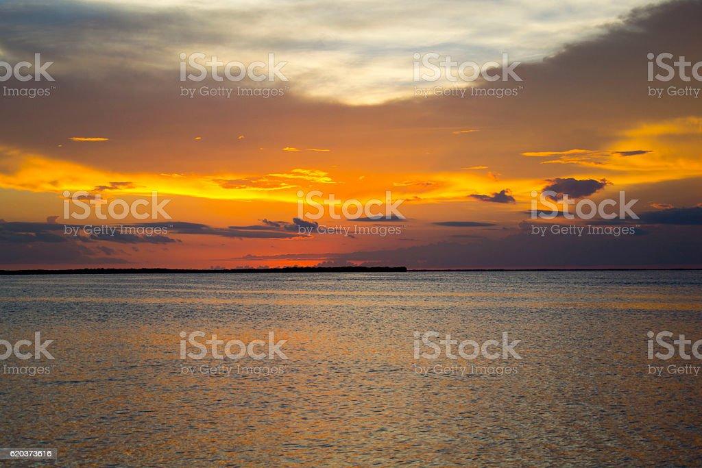 Pôr do sol no oceano foto de stock royalty-free