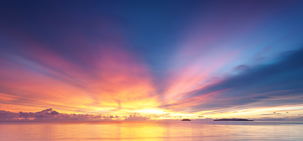 istock Sunset backgrounds 1068270866