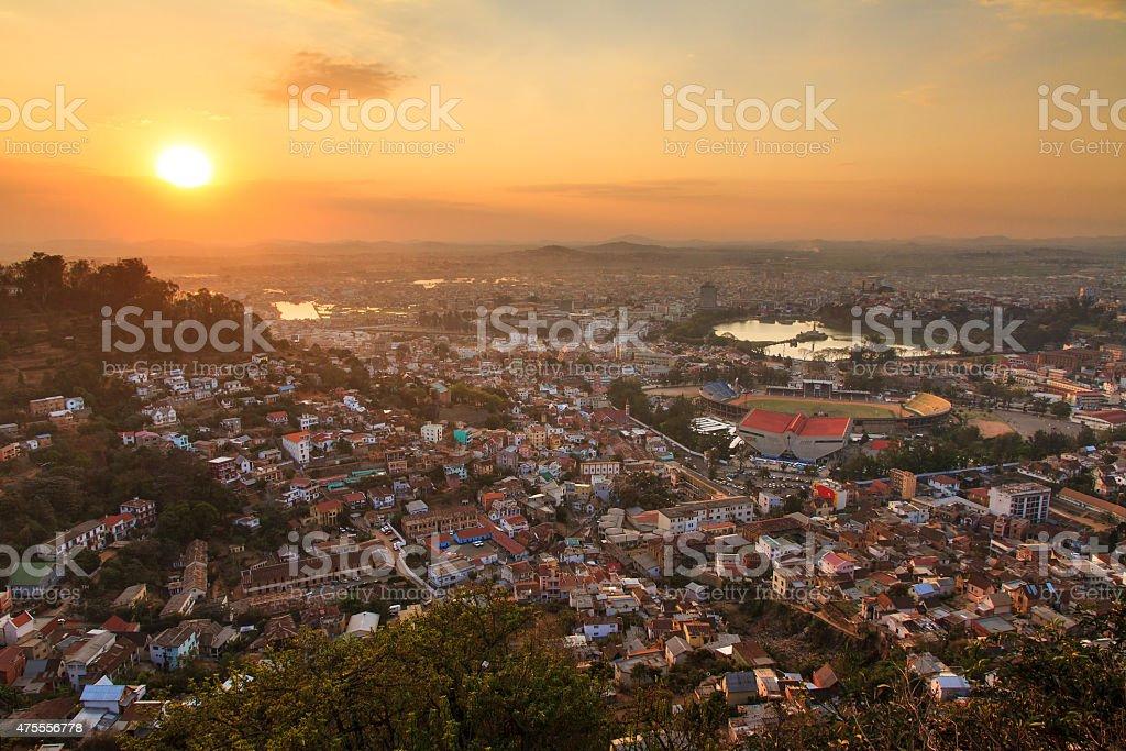 Coucher de soleil sur la ville de Antananarivo - Photo