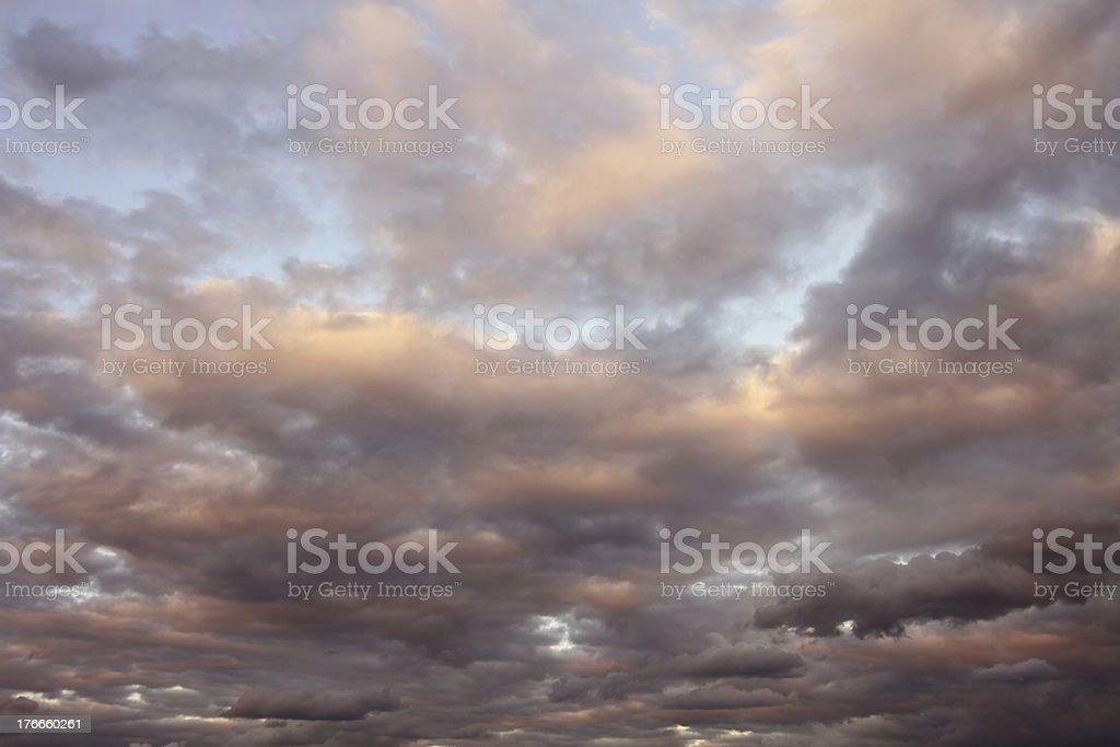 Nubes al atardecer foto de stock libre de derechos